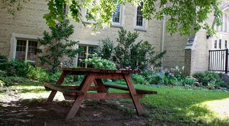Richmond Hill United Church - front garden